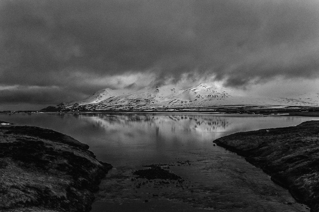 icelandic-blackscape-v-by-leingad-da24bboxlarge1464252931.jpg